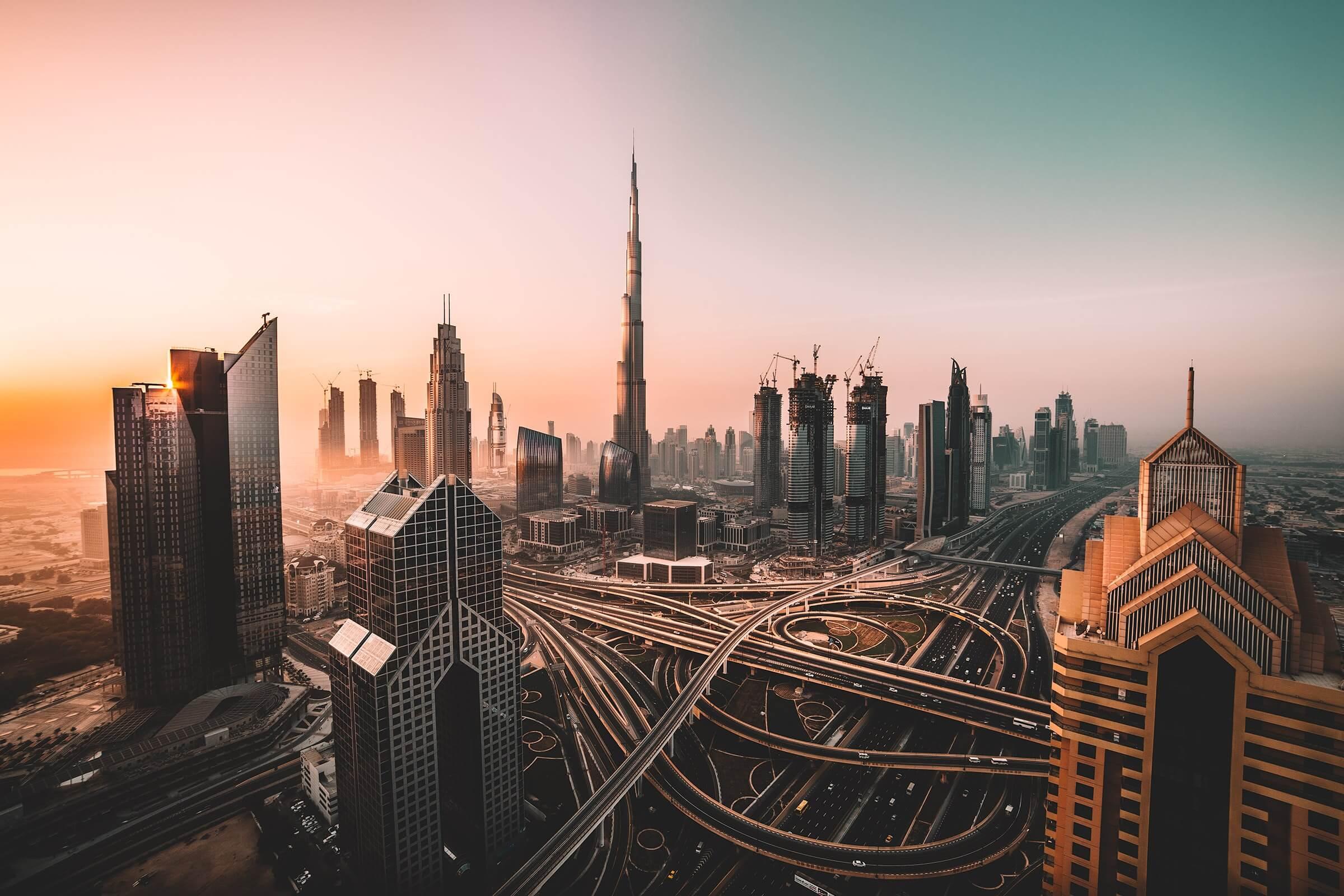Dubai i flot solnedgang