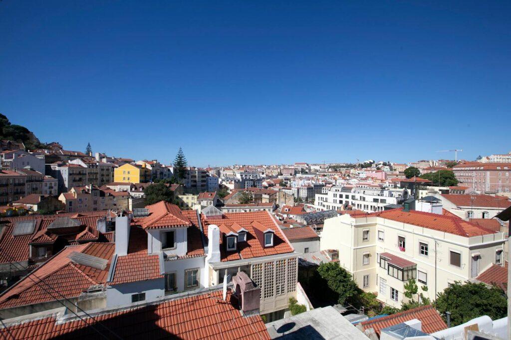 Smuk udsigt ud over Lissabon fra Airbnb lejlighed
